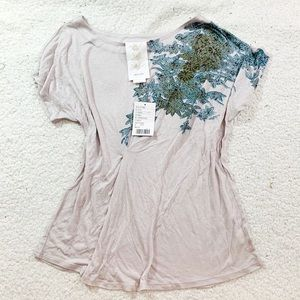Anthropologie paper crane floral embroidered t